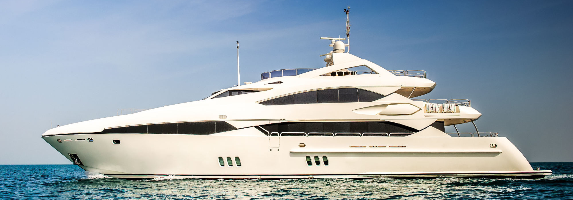 Buy and sell a private yacht